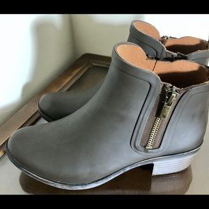 Lucky Brand ankle rubber booties new brown 6.5 HTF